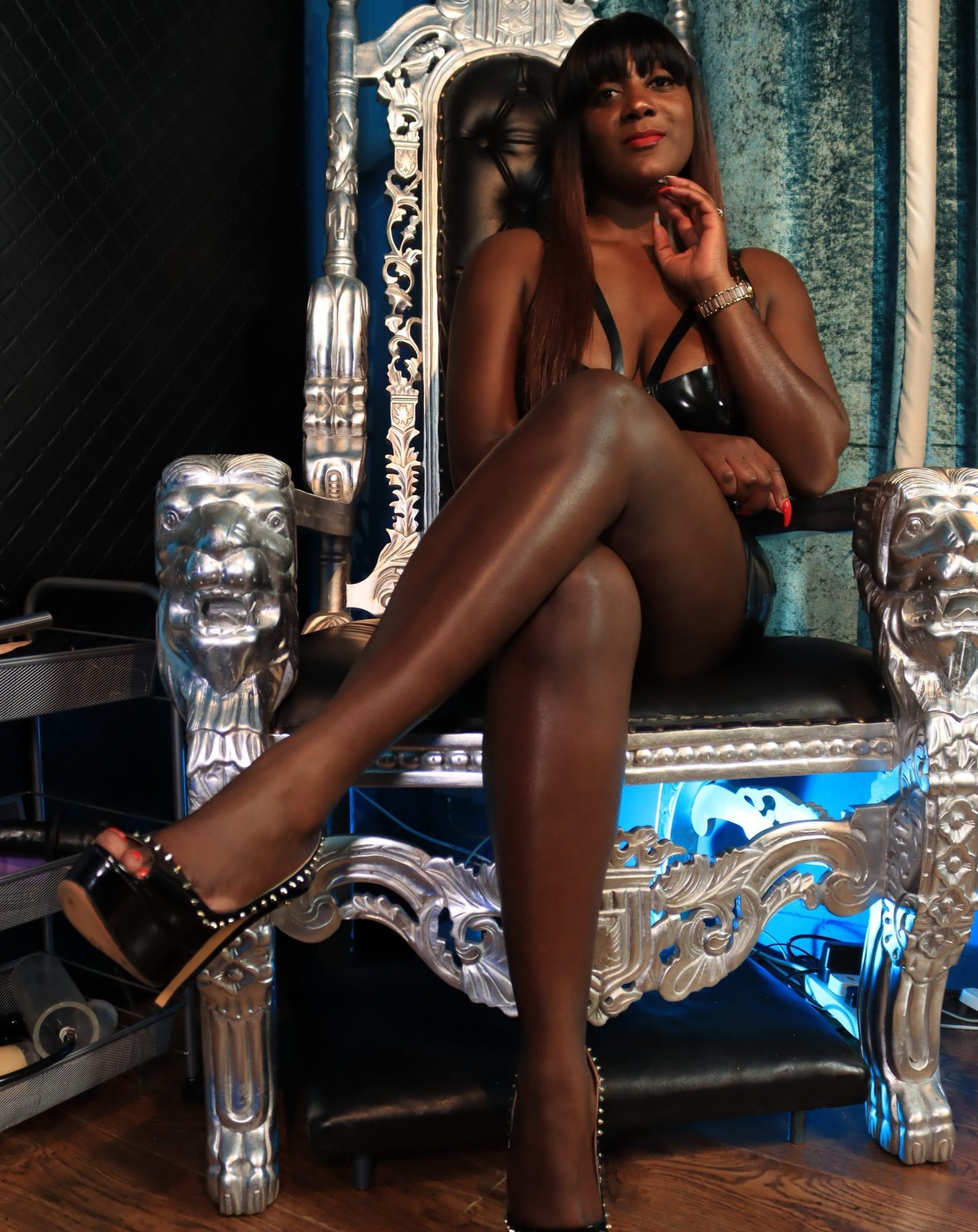 This is the official website of Mistress Lorraine