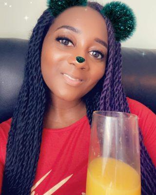 Cheers 🥂 Merry Christmas 💋